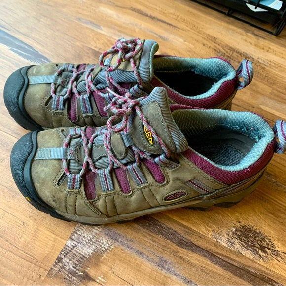 Keen Boot shoes size 9.5